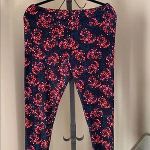 Lularoe black leggings with hearts Size TC